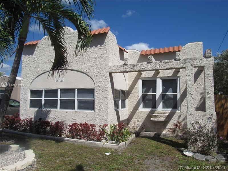 1835  Arthur St  For Sale A10821777, FL