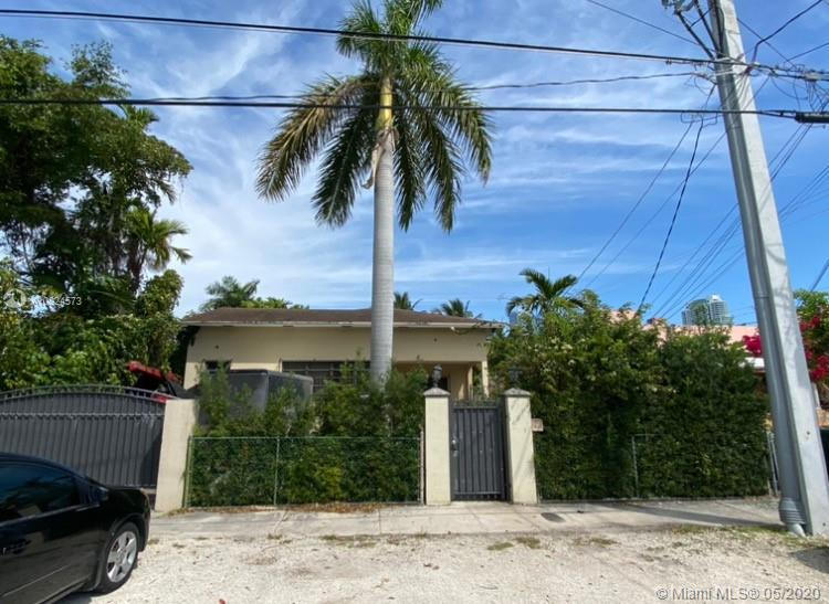 105 SW 22nd Rd  For Sale A10824573, FL