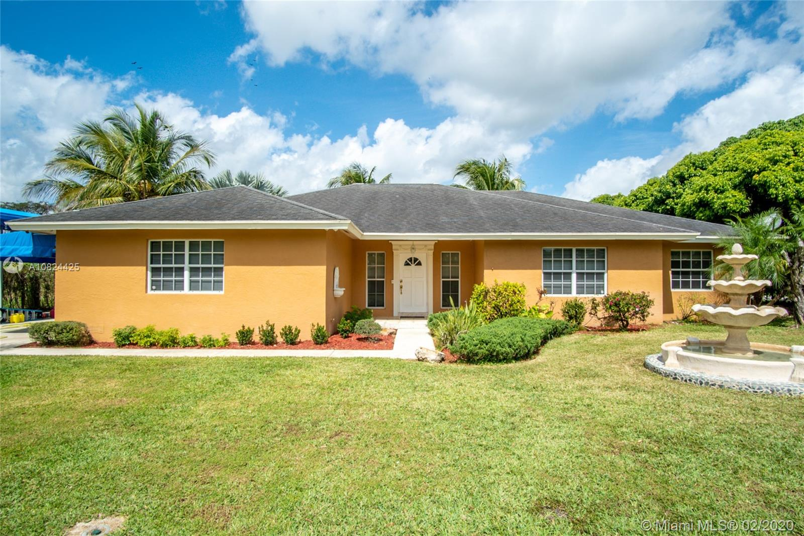 18405 SW 216th St  For Sale A10824425, FL