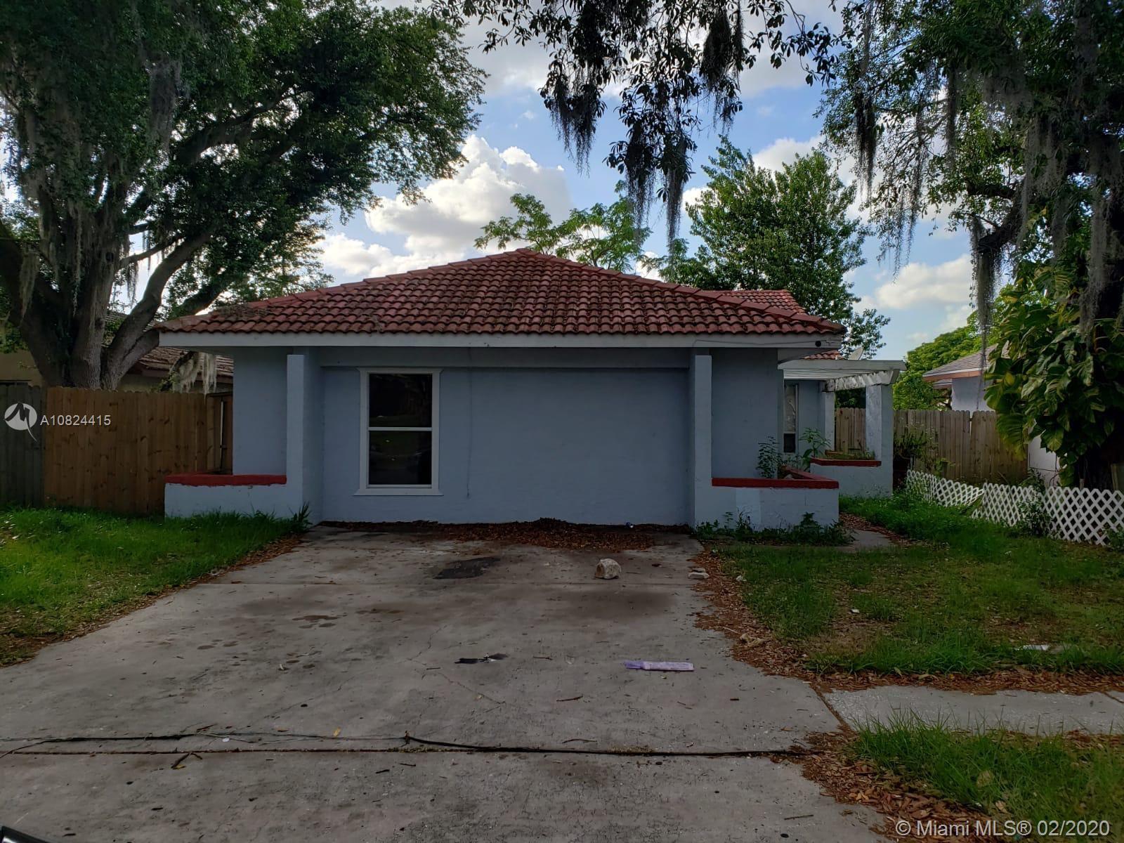 2212 Greenview Circle, Orlando, FL 32808