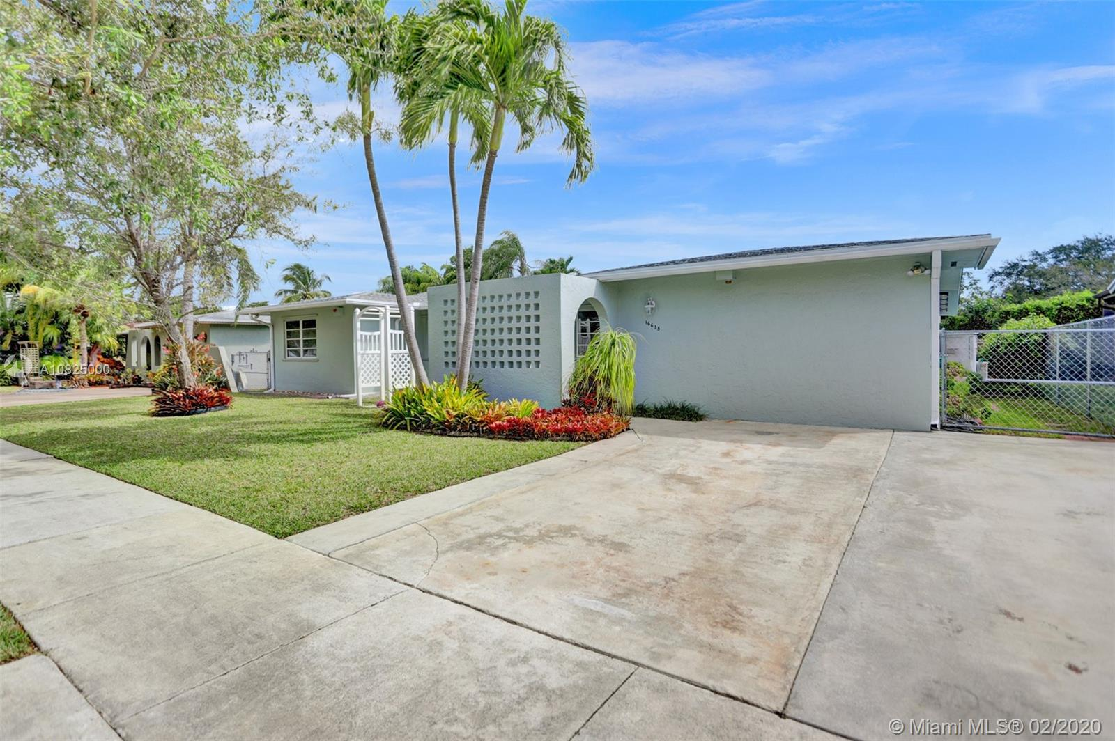 16635 SW 93rd Ct  For Sale A10825000, FL