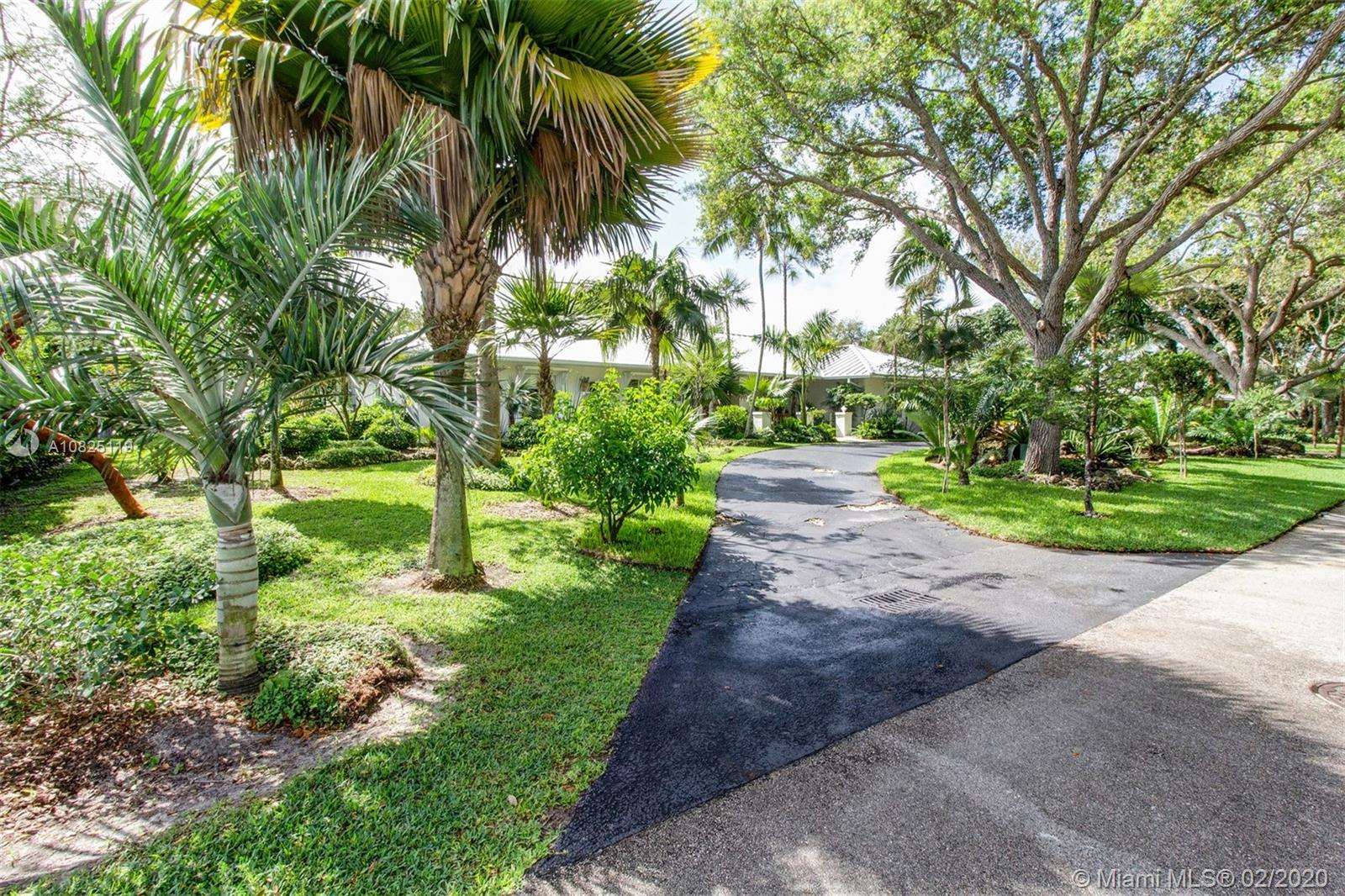 6822 SW 144th Ter  For Sale A10825119, FL