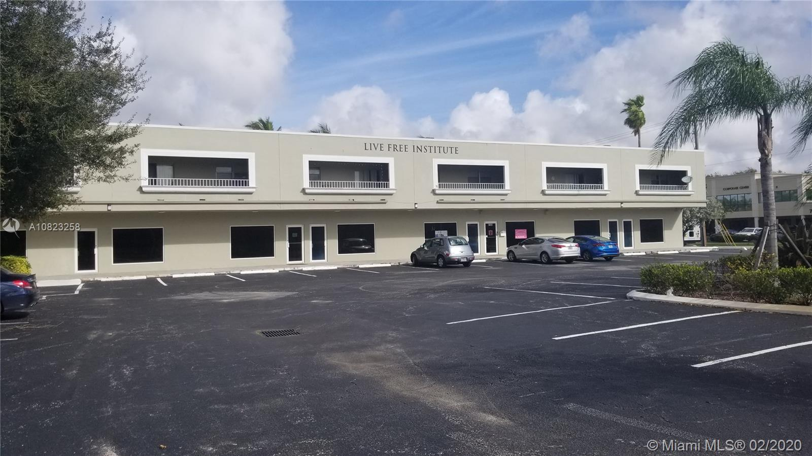 7713  Davie Road Extension  For Sale A10823258, FL