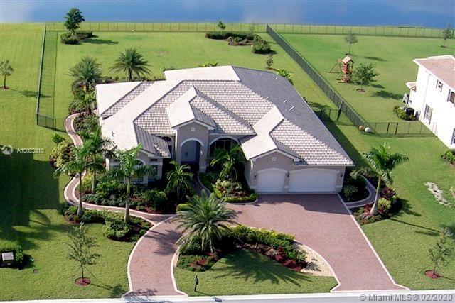 10992 Pine Lodge Trl, Davie, FL 33328