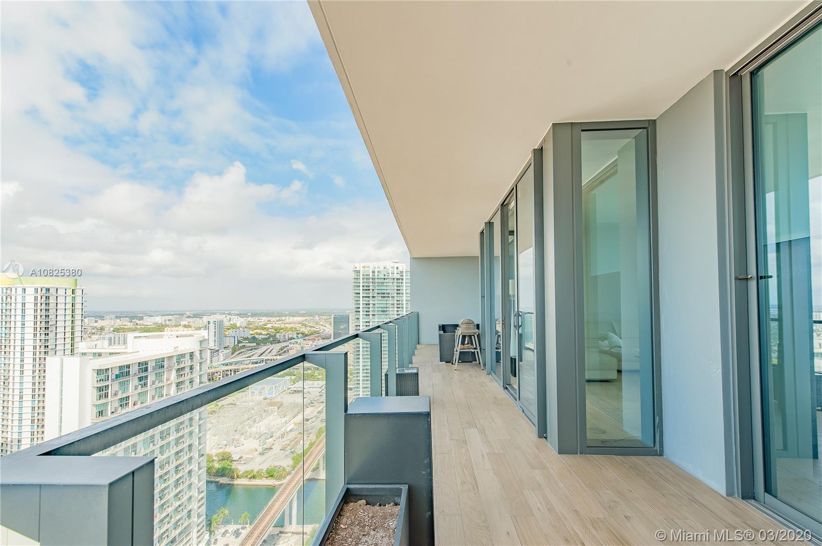 88 SW 7th St #3604 For Sale A10825380, FL