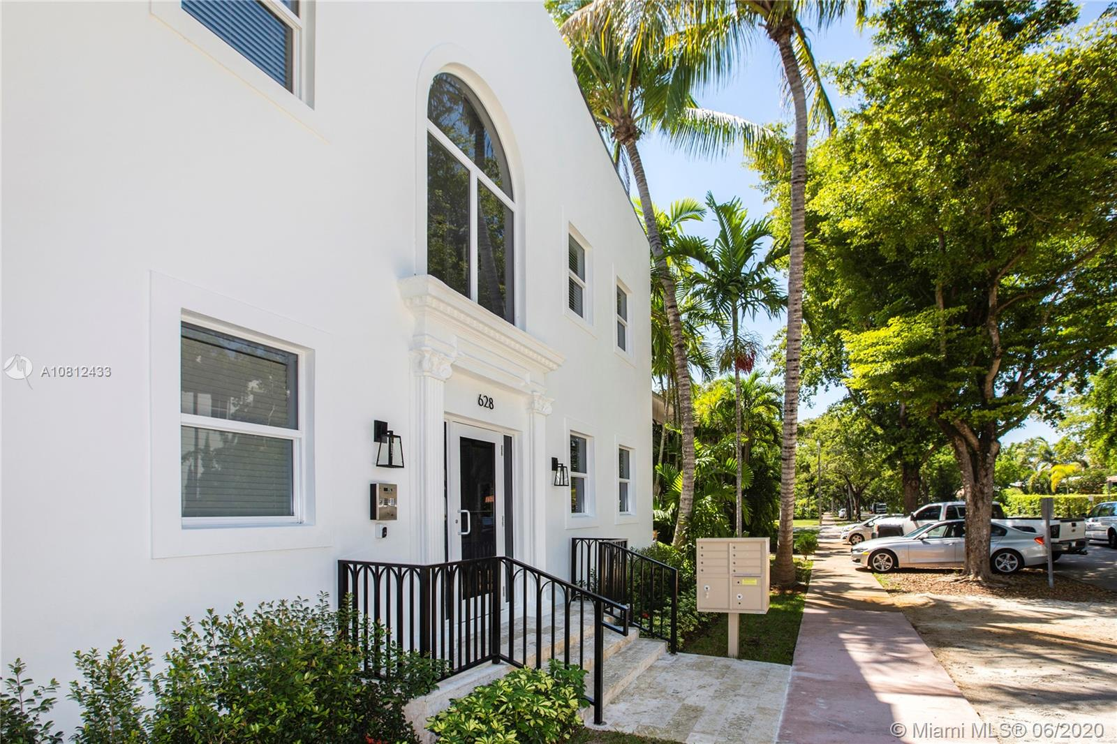 624  Santander Ave  For Sale A10812433, FL