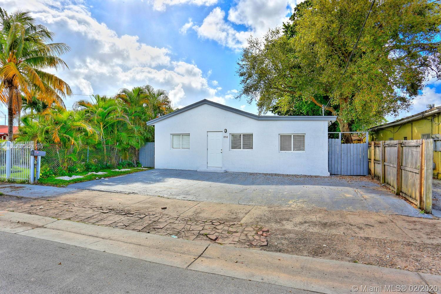 2752 NW 27th St  For Sale A10824590, FL