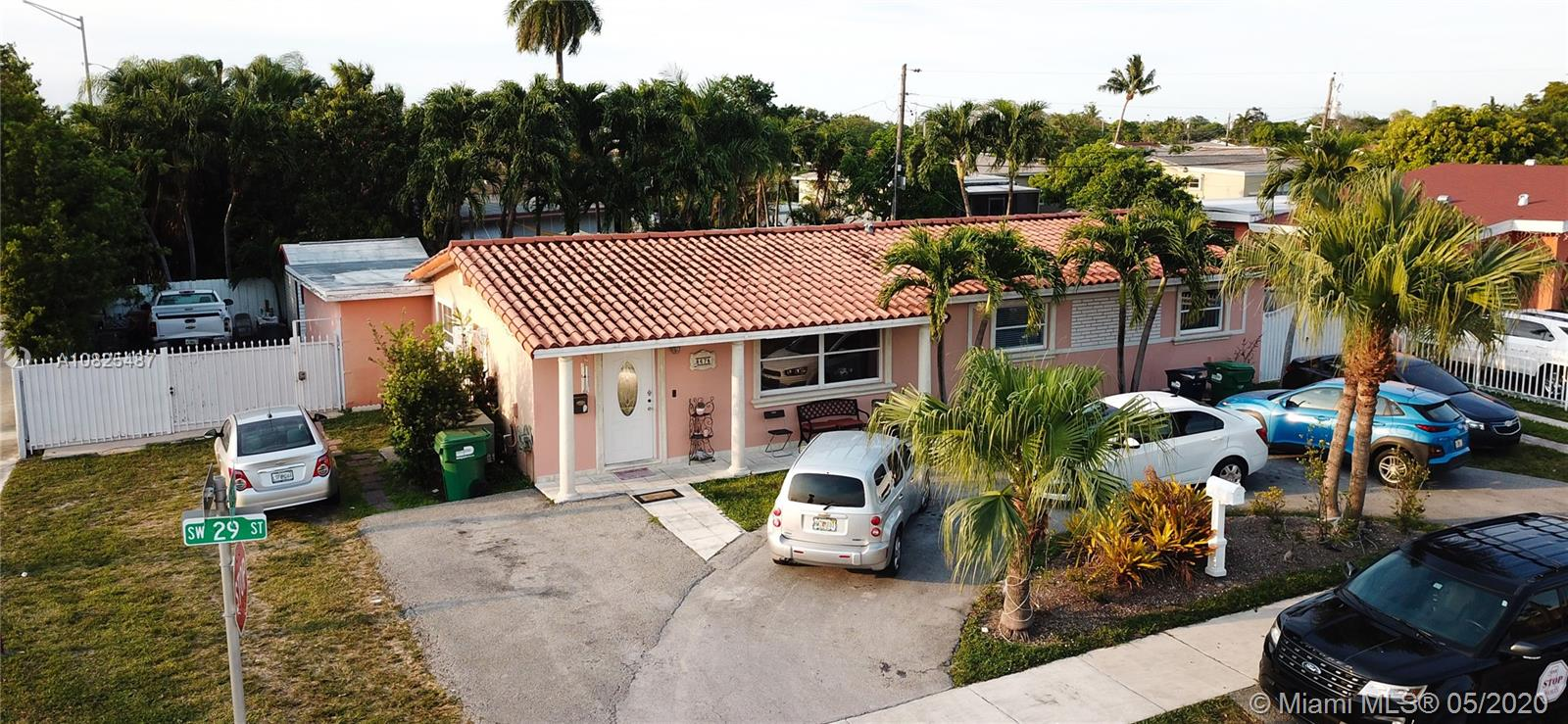 8675 SW 29th St  For Sale A10825487, FL