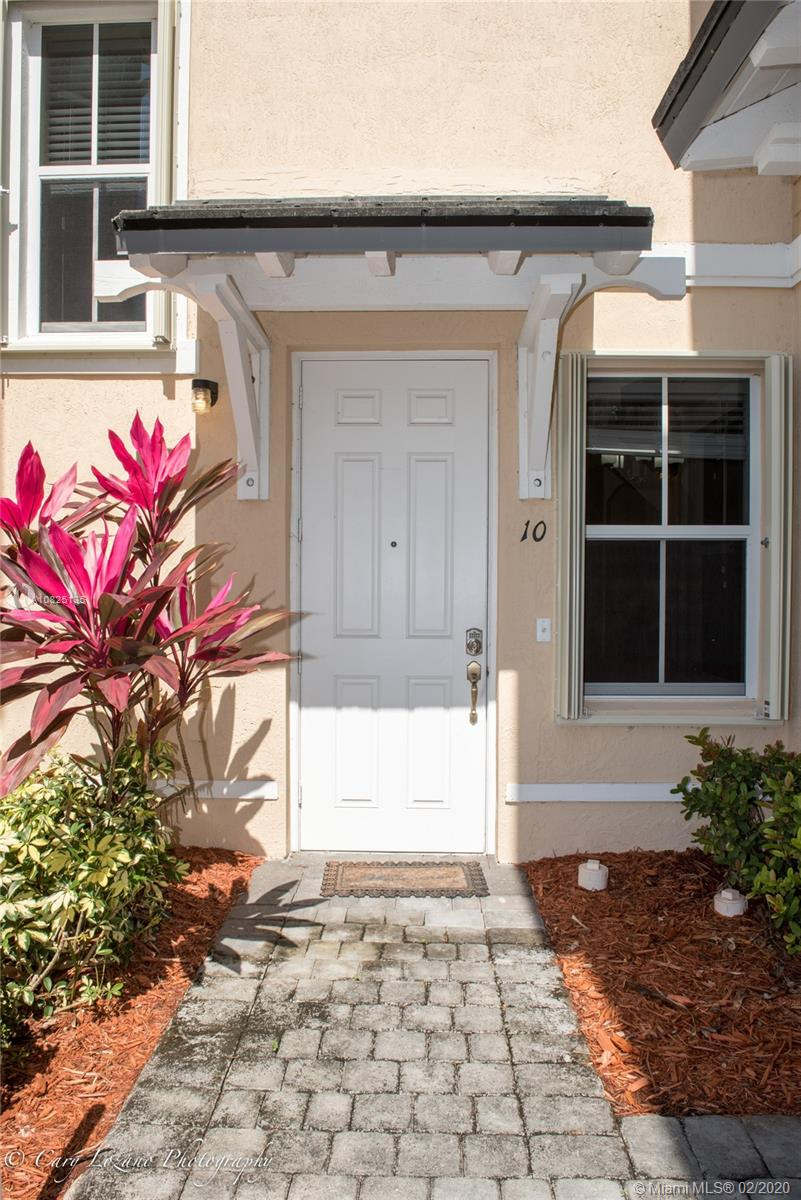 2819 SE 1st Dr #10 For Sale A10825135, FL