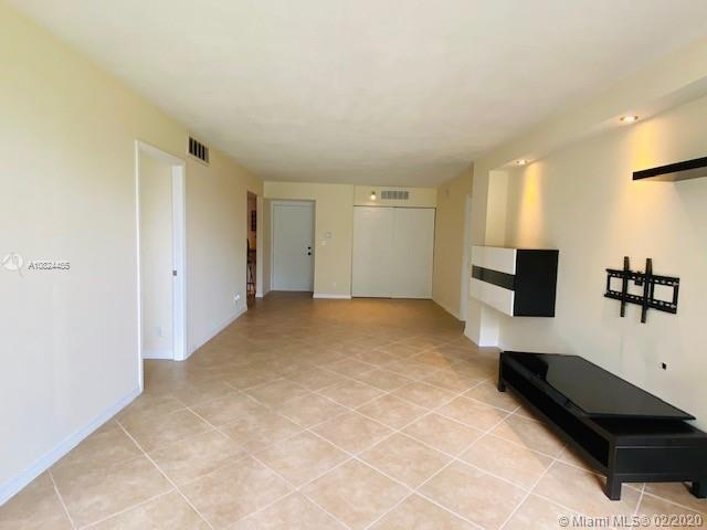3475 N Country Club Dr #207 For Sale A10824455, FL