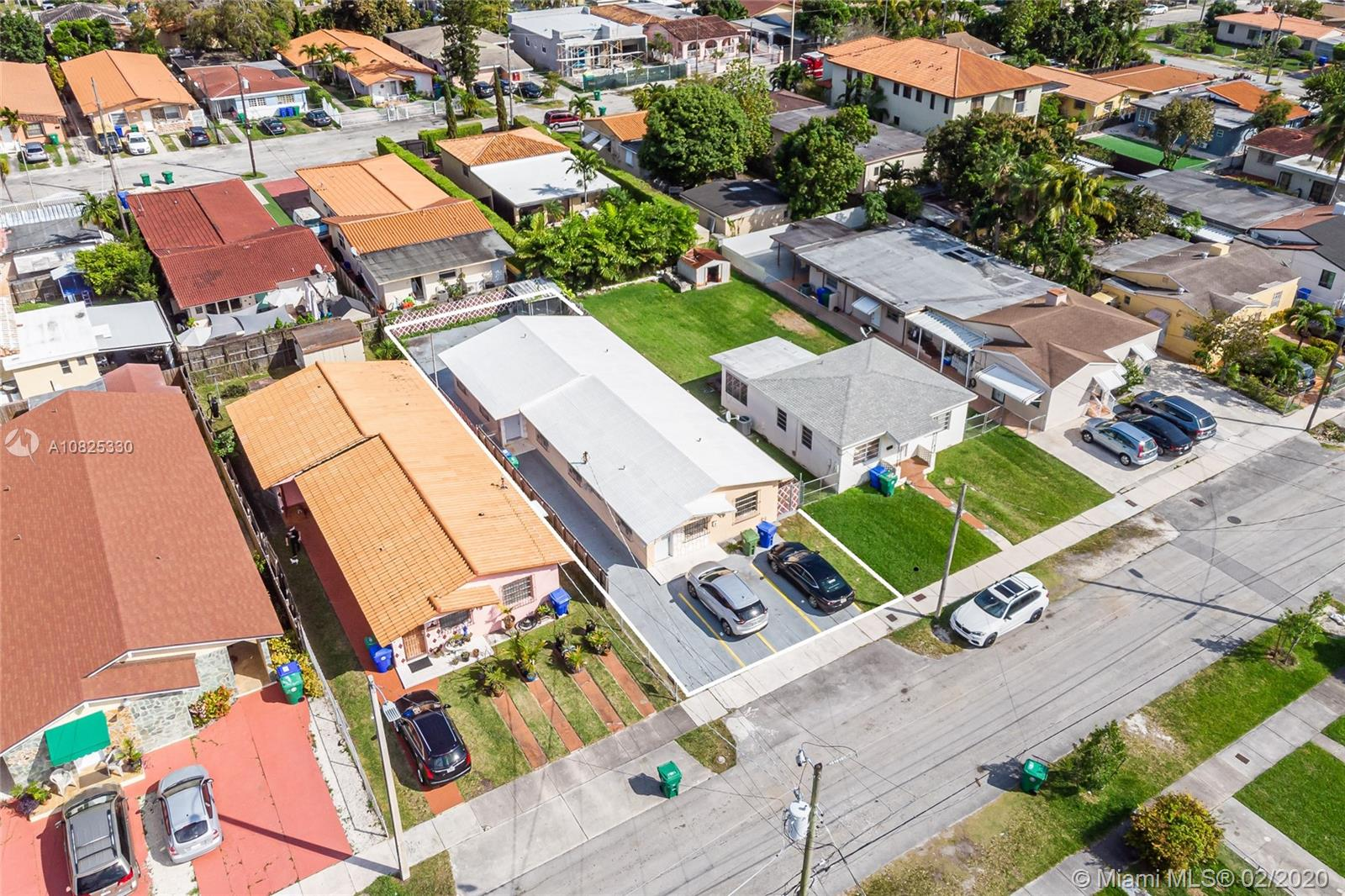 2625 SW 33rd Ave  For Sale A10825330, FL