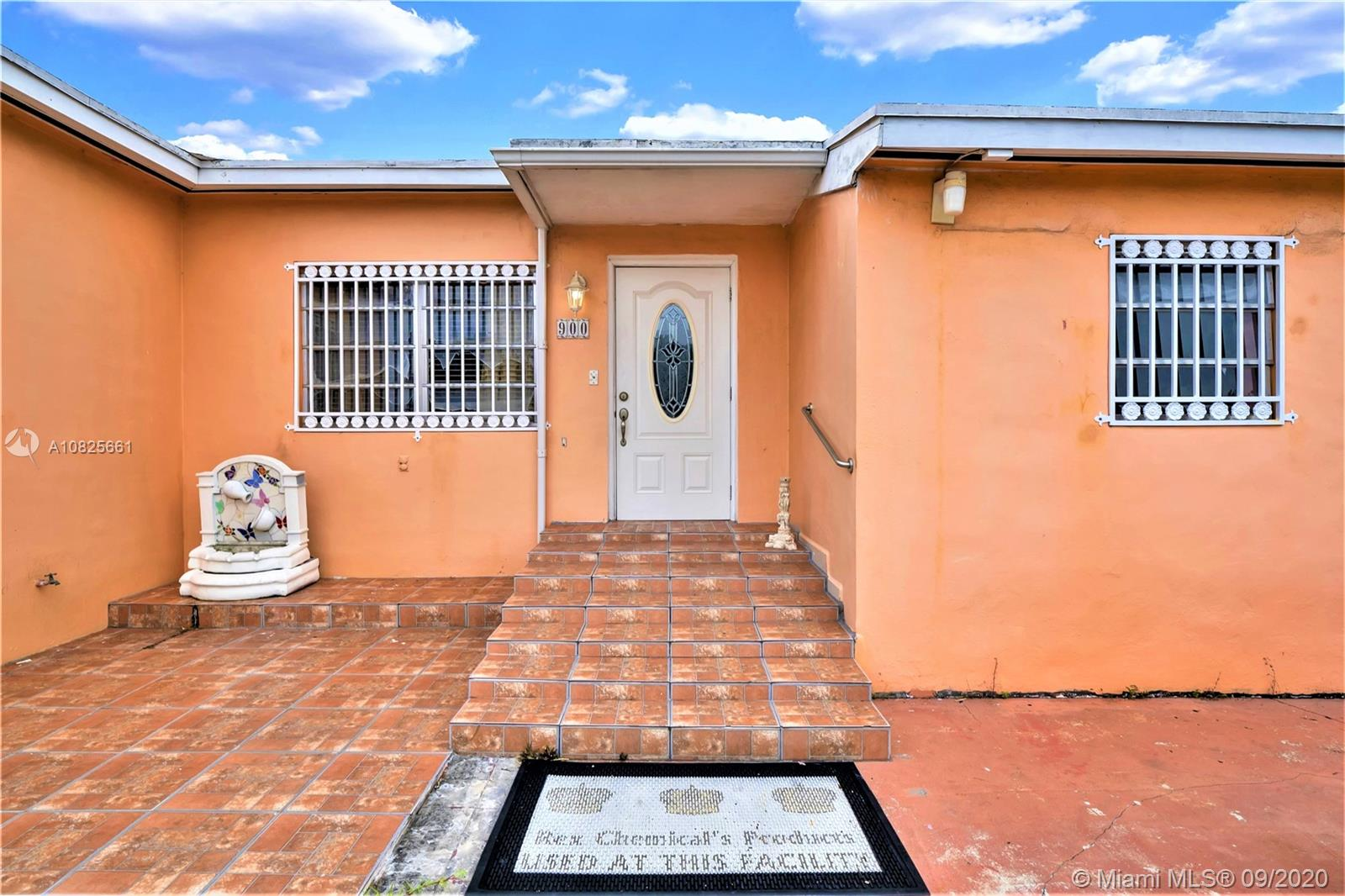 900 SW 74th Ave  For Sale A10825661, FL