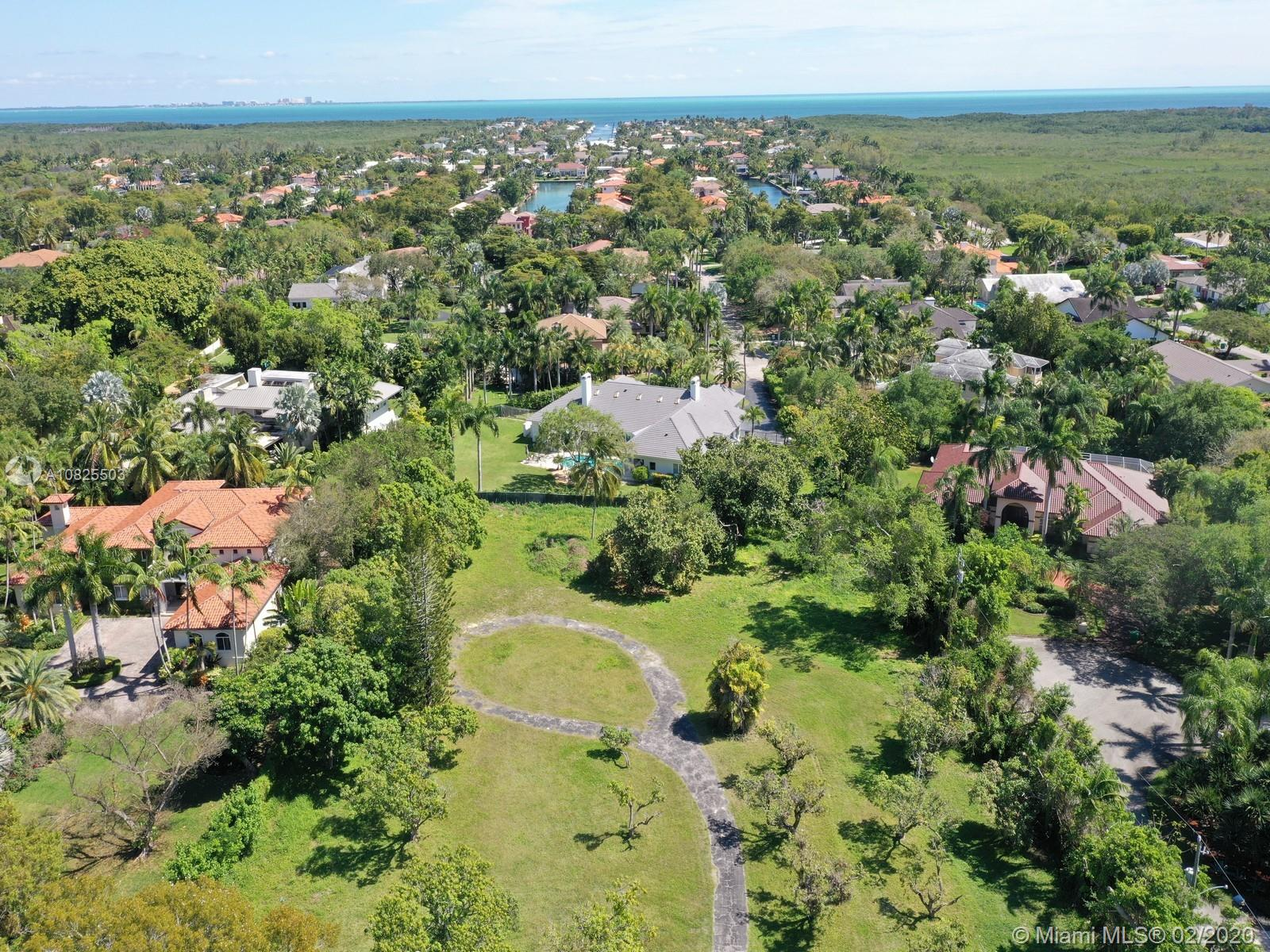 5861 SW 130 Ter  For Sale A10825503, FL