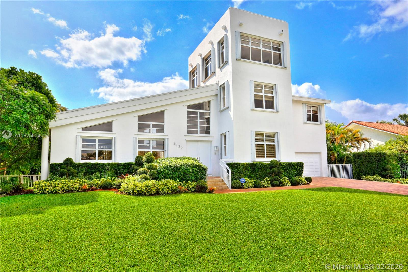 6320  Dolphin Dr  For Sale A10825604, FL