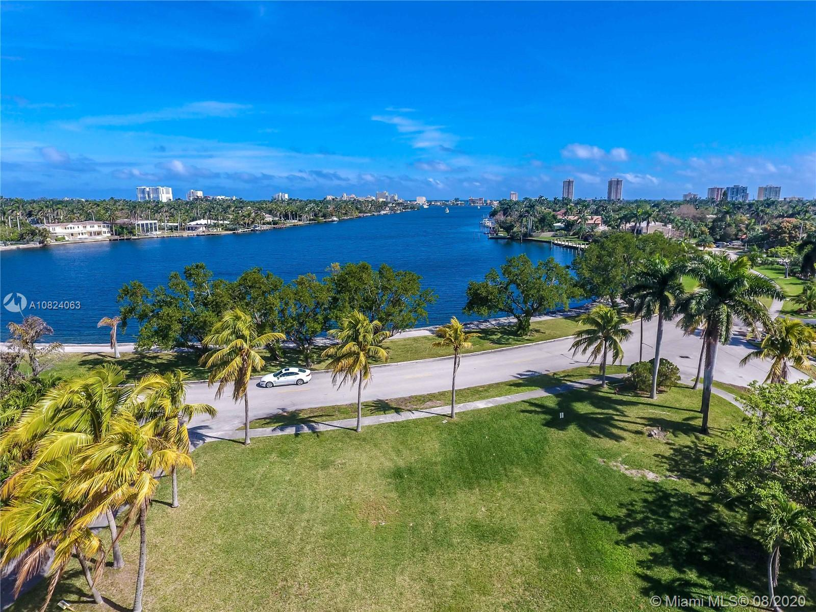1205 S Southlake Dr, Hollywood, FL 33019