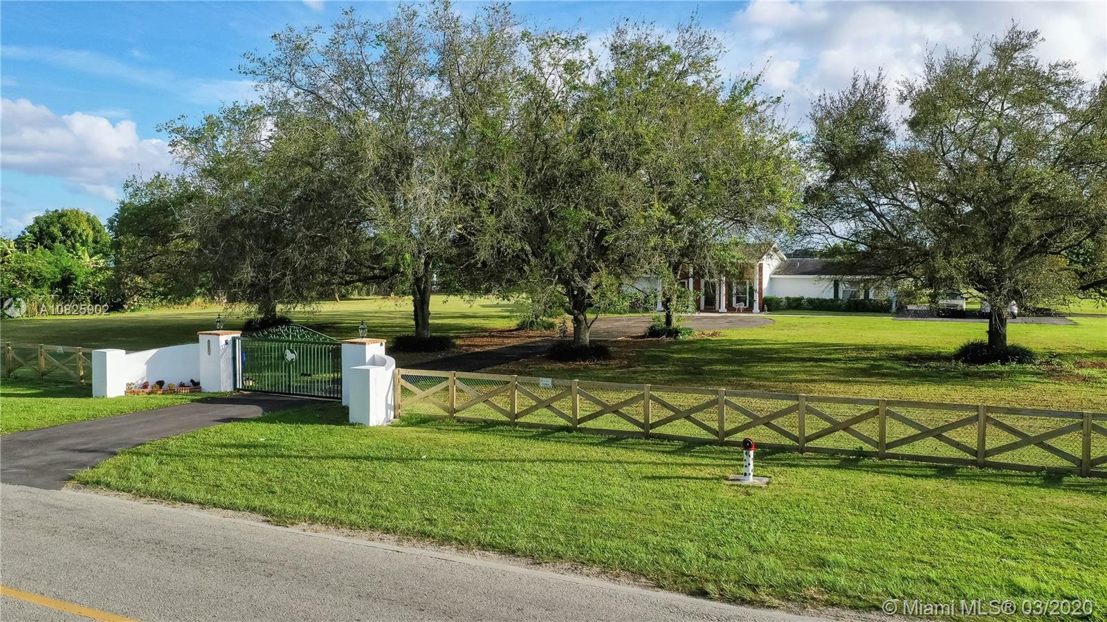 19390 SW 232nd St  For Sale A10825902, FL