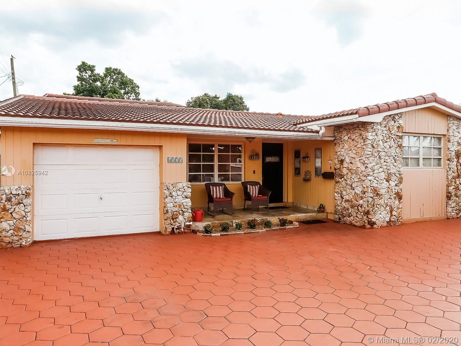 6575 SW 27th St  For Sale A10825942, FL
