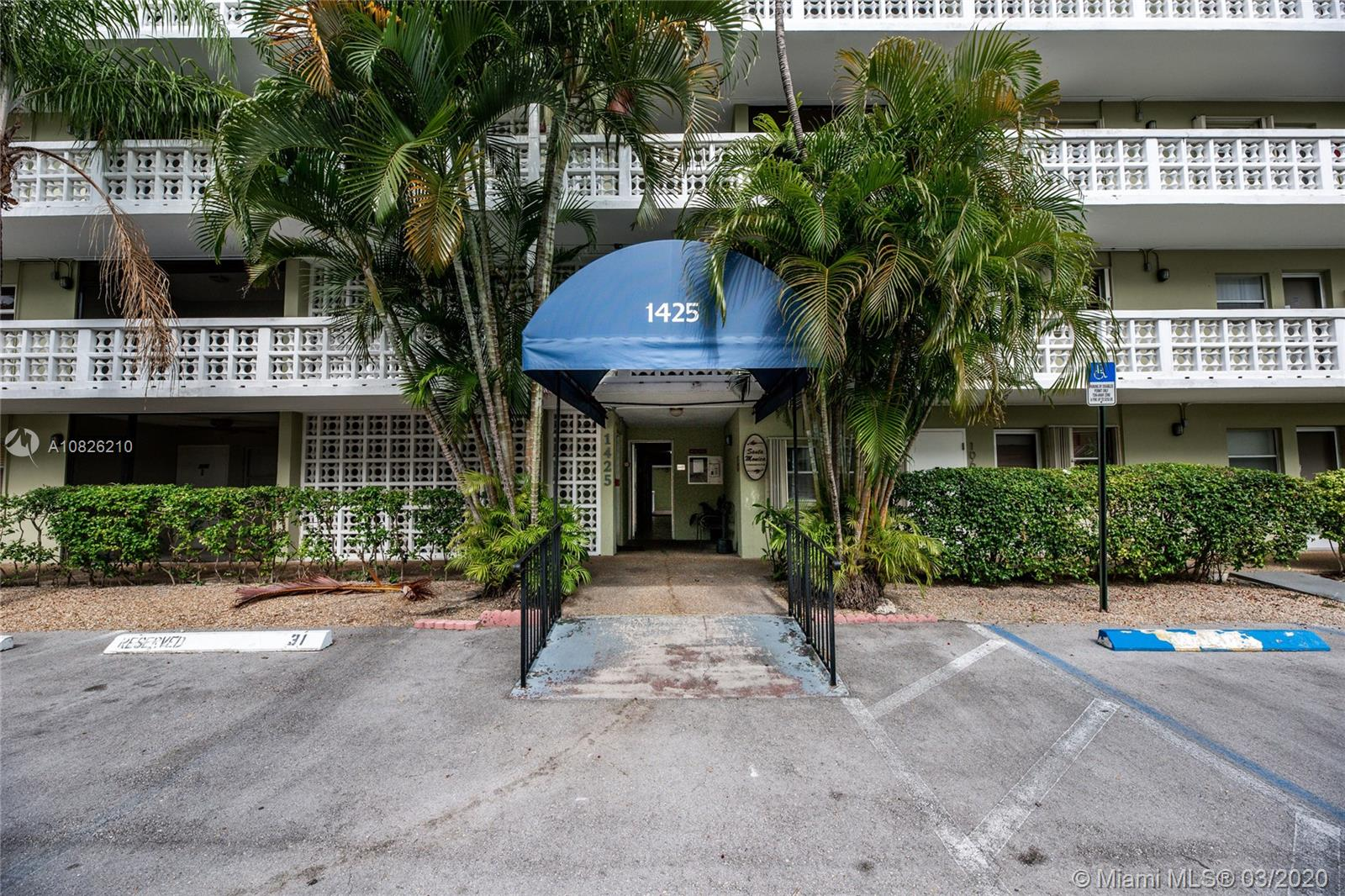 1425  Arthur St #403A For Sale A10826210, FL