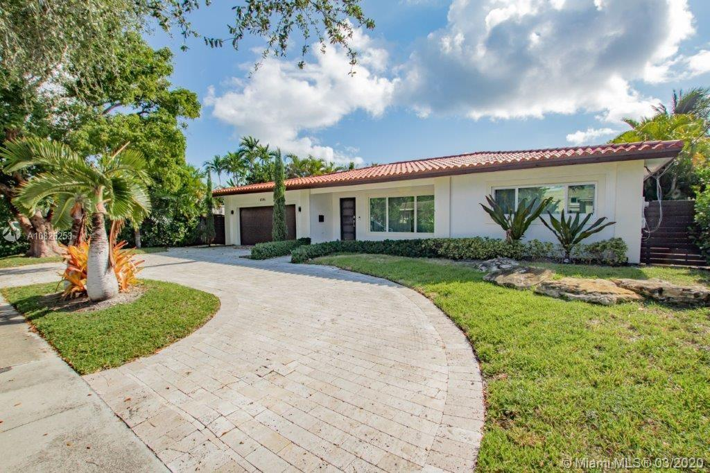 12915  Ixora Rd  For Sale A10826253, FL