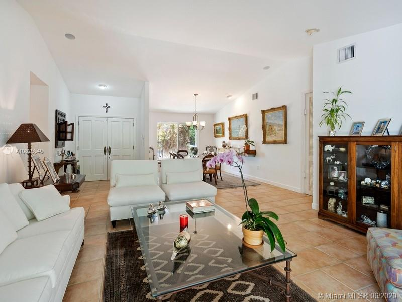 315 W Heather Dr  For Sale A10826346, FL