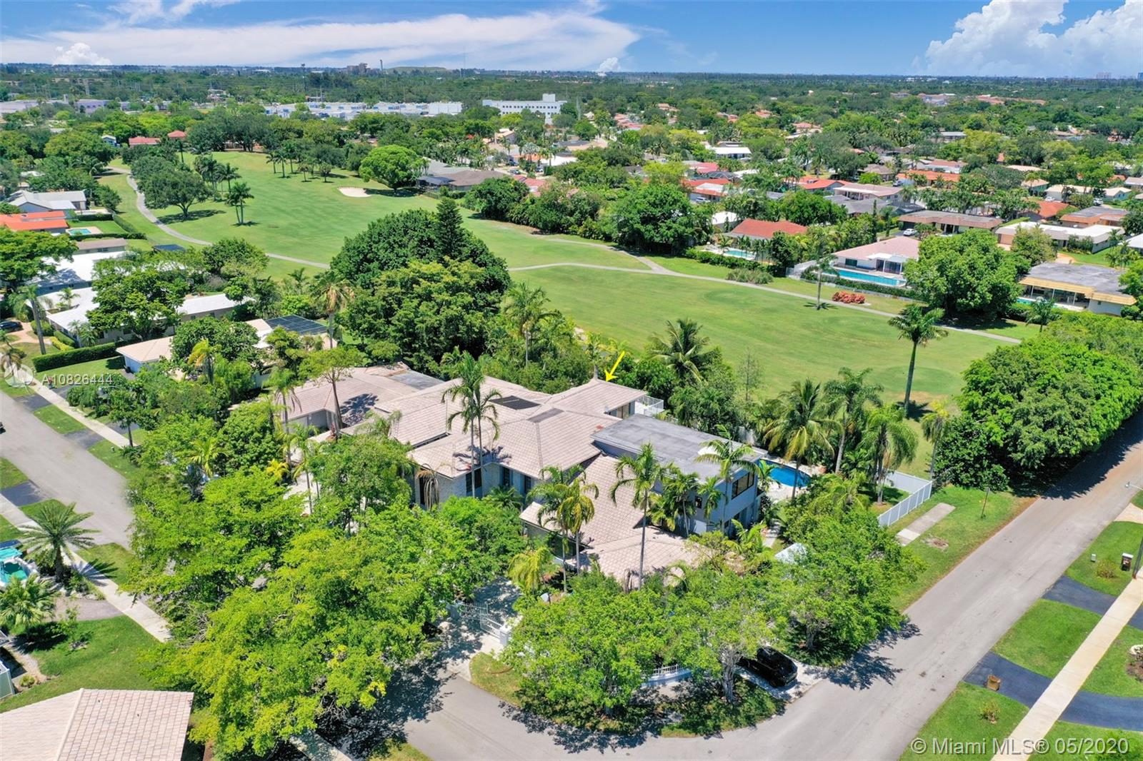 3501 N 53rd Ave  For Sale A10826444, FL