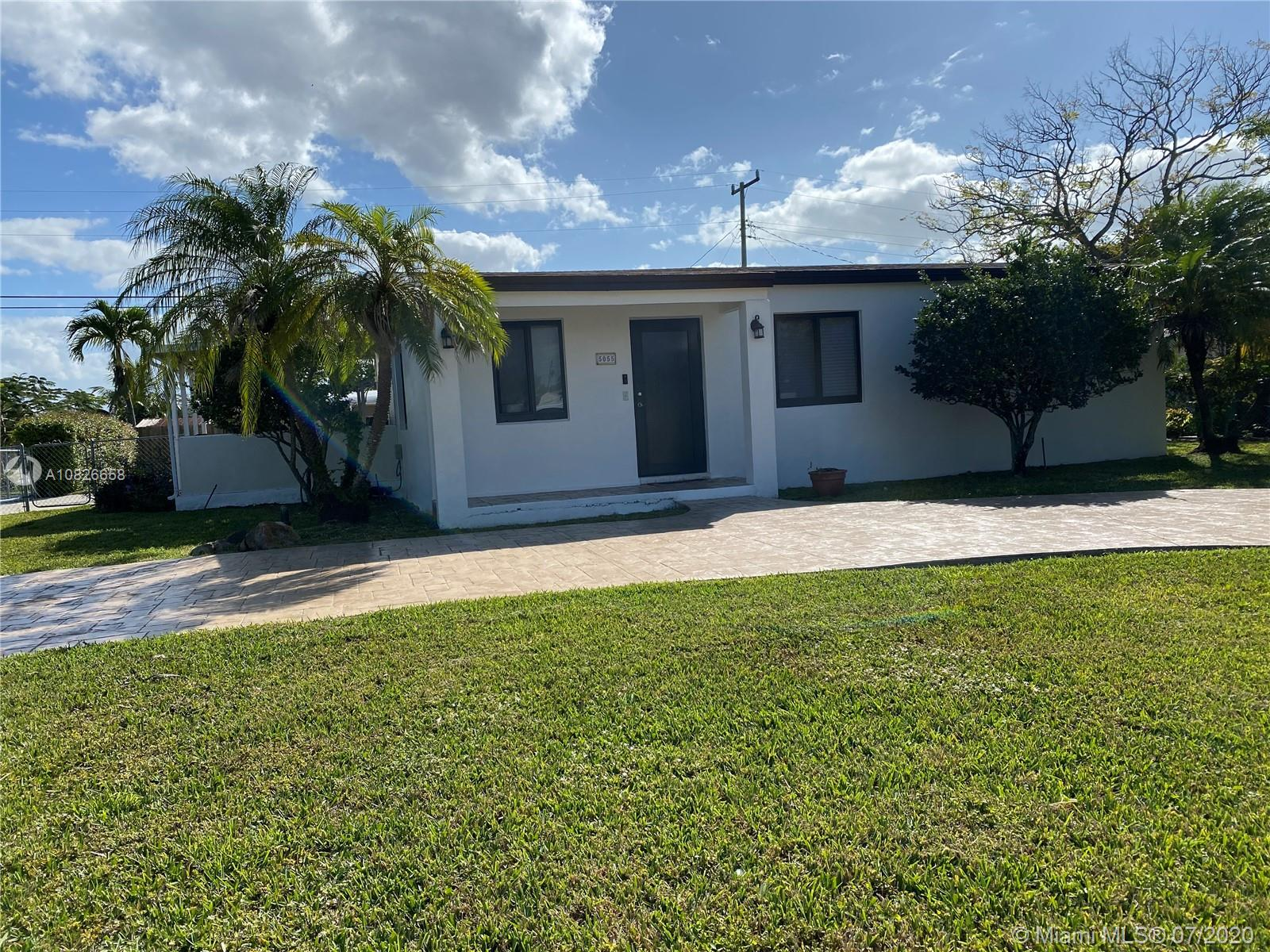 5055 SW 102nd Ave  For Sale A10826658, FL