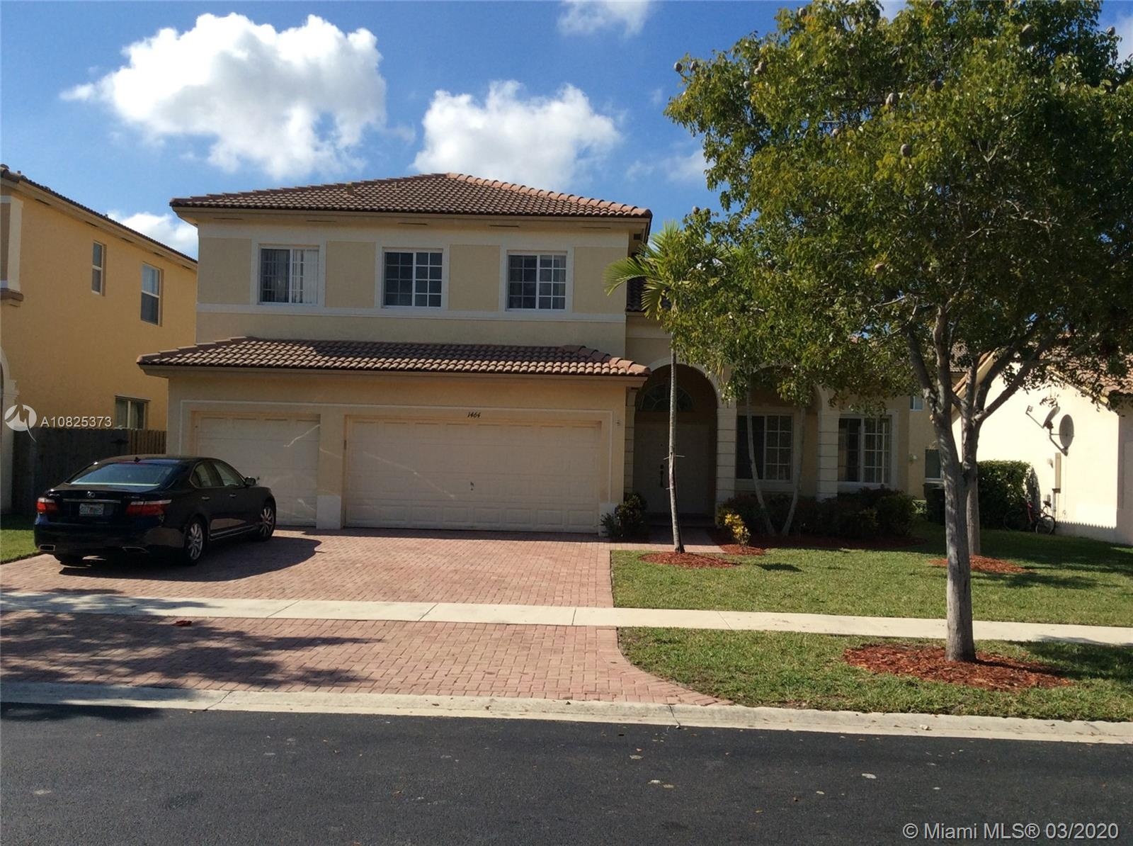 1464 NE 40 Rd  For Sale A10825373, FL