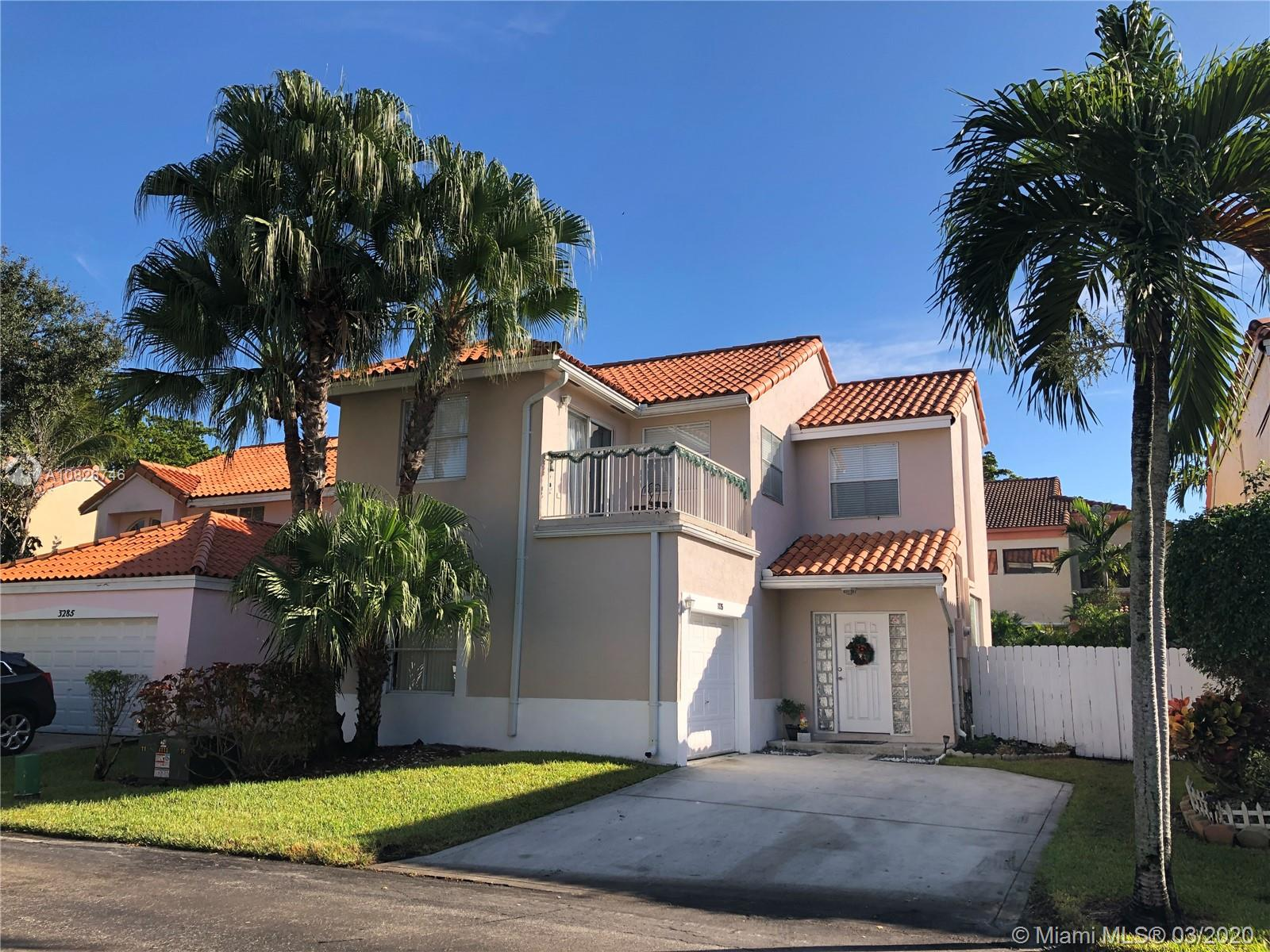 3275 N 36th Ave  For Sale A10826746, FL