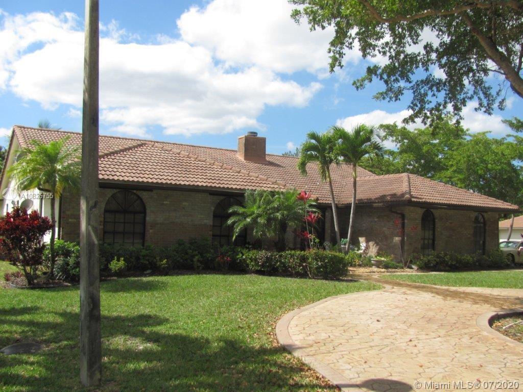 5172 NW 84th Rd, Coral Springs, FL 33067