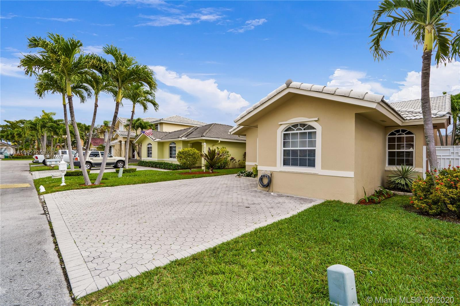 2115 SW 103rd Pl  For Sale A10827258, FL