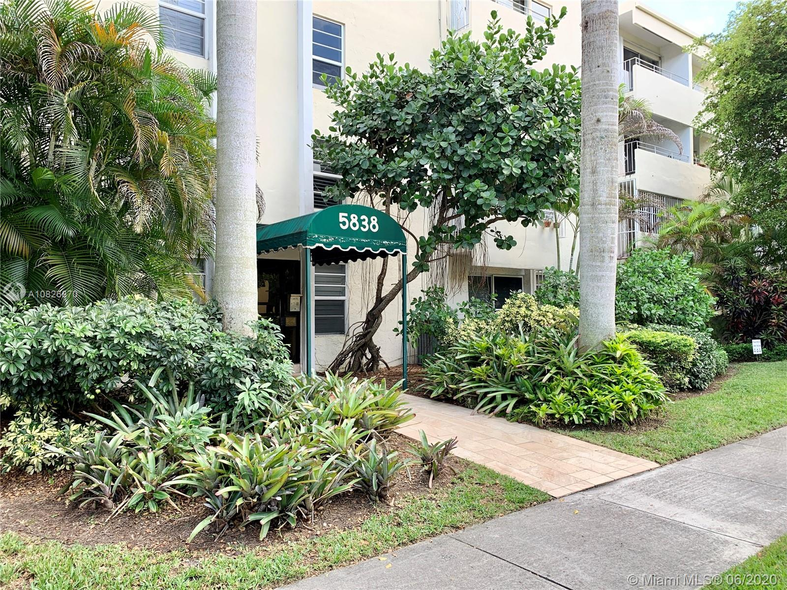 5838 SW 74th Ter #304 For Sale A10826870, FL