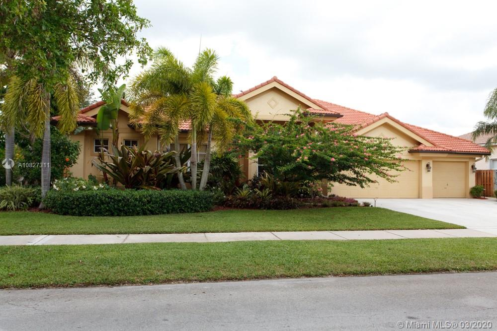 3115  Fairways Dr  For Sale A10827311, FL