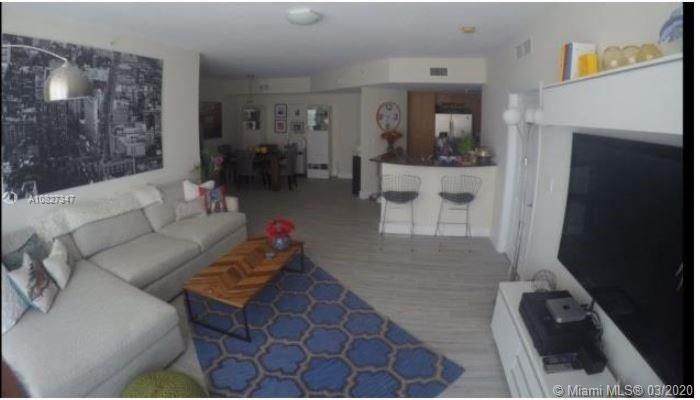 SPECTACULAR 2 BED/2BATH SPLIT FLOOR PLAN. SEPARATE MASTER BEDROOM BOTH WITH WALKING CLOSETS. AMAZING VIEWS FROM YOUR LARGE BALCONY. PORCELAIN FLOORS. HURRICANE IMPACT WINDOWS. GREAT LOCATION CLOSE TO SOUTH BEACH, BAL HARBOR, DOWNTOWN, BRICKELL, MIAMI AIRPORT, ETC. !!!!