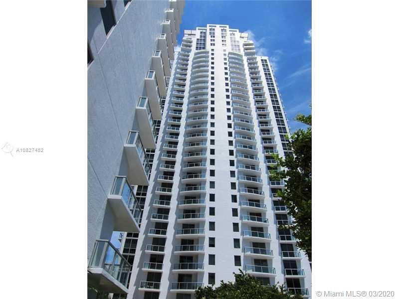Spectacular over sized 2 story loft. Double height ceilings. Marble floors throughout. 1/1.5 in the heart of Brickell. Walk everywhere from this centrally located building.