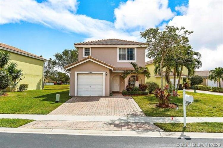 3290 Commodore Ct, West Palm Beach, FL 33411