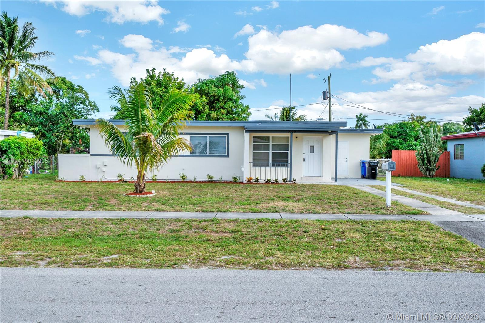 1020  Arizona Ave  For Sale A10819905, FL