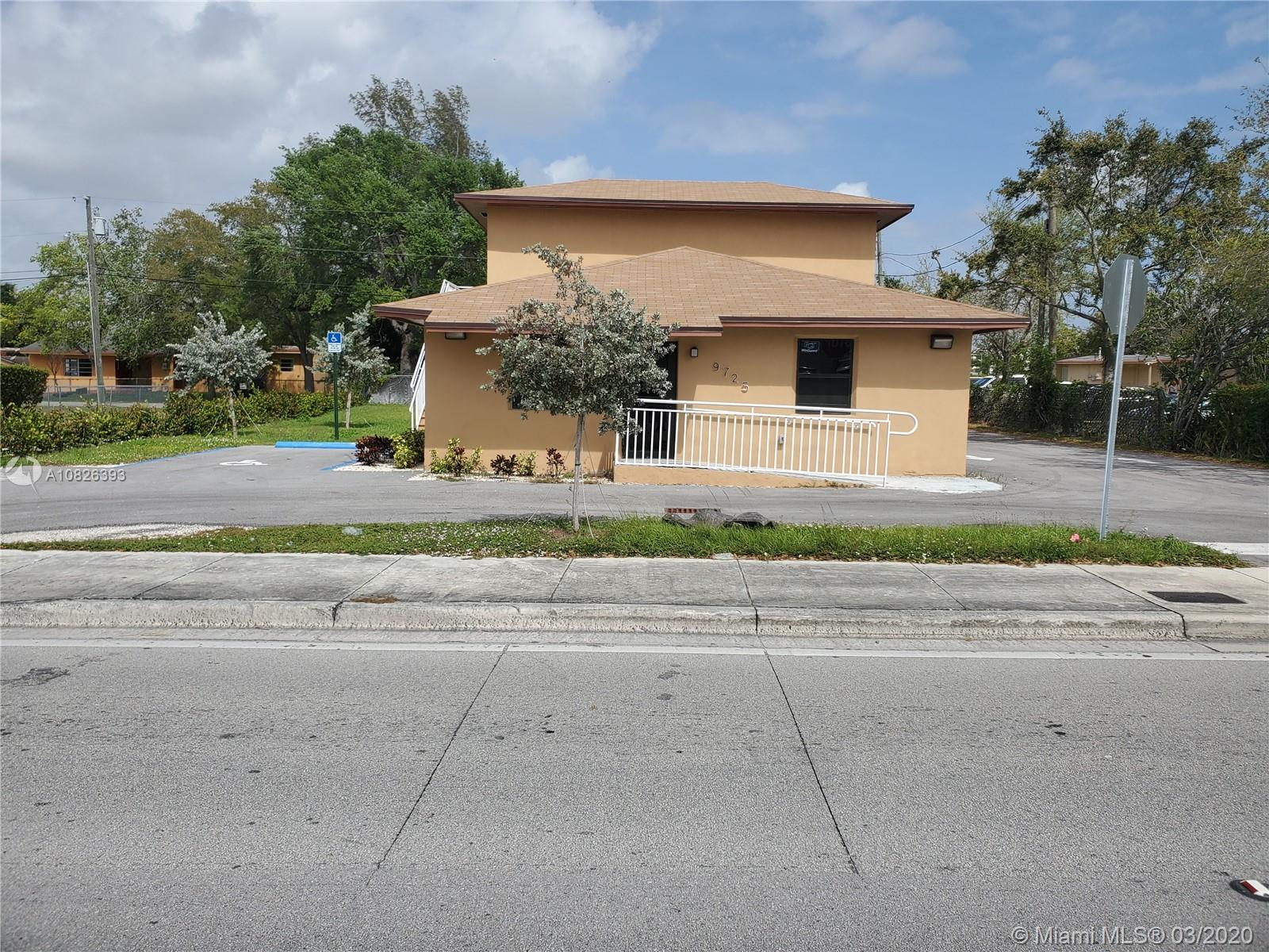 9725 SW 184th St  For Sale A10826393, FL