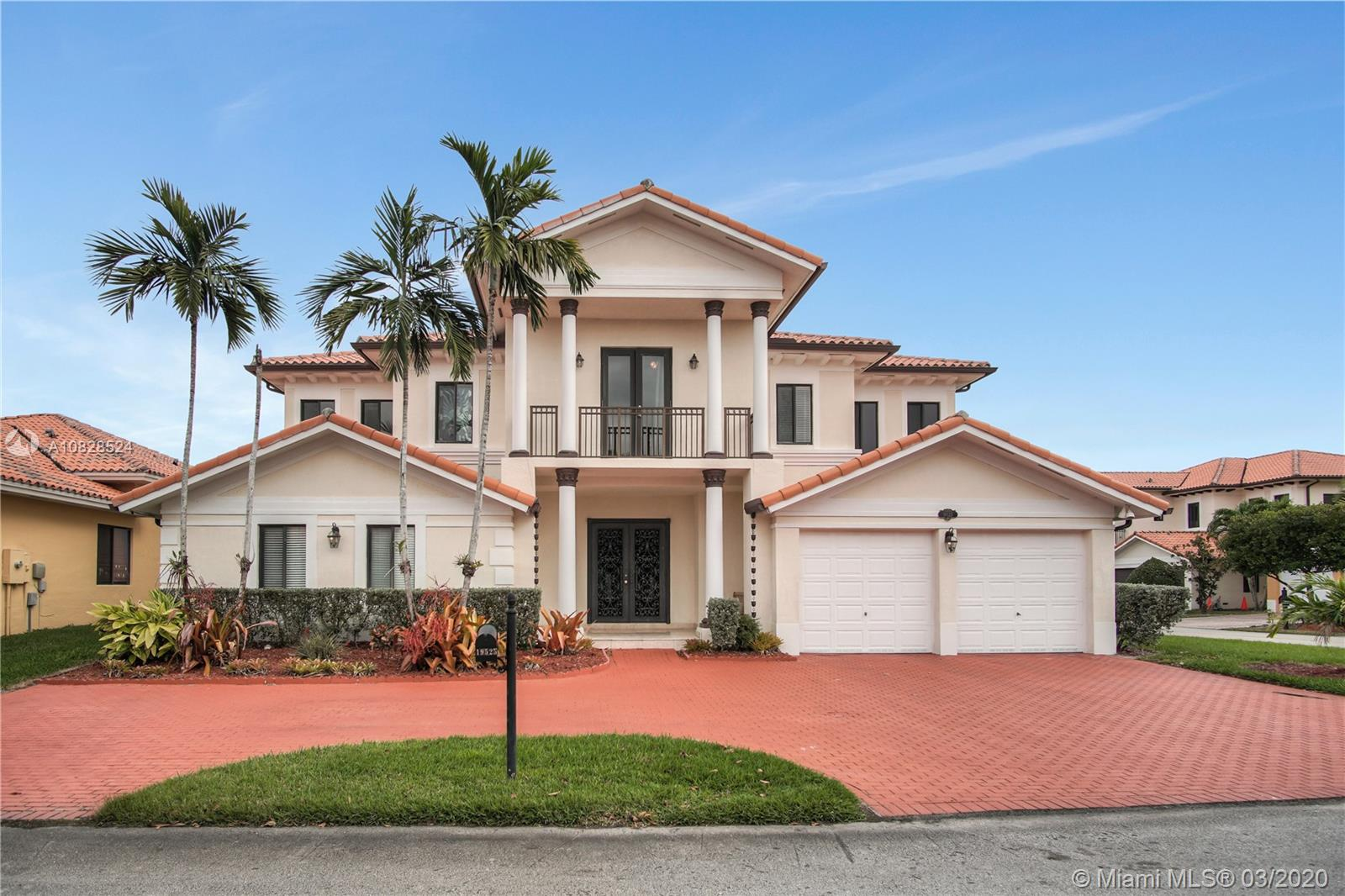 19525 SW 78th Pl  For Sale A10828524, FL