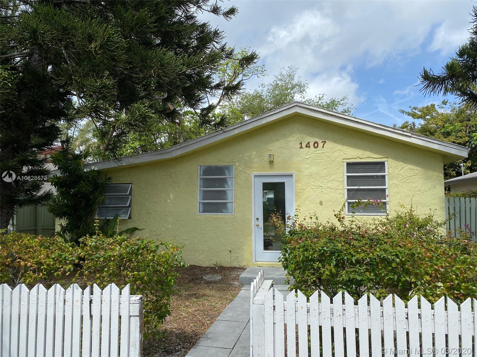 1407 SW 27th Ct  For Sale A10828673, FL