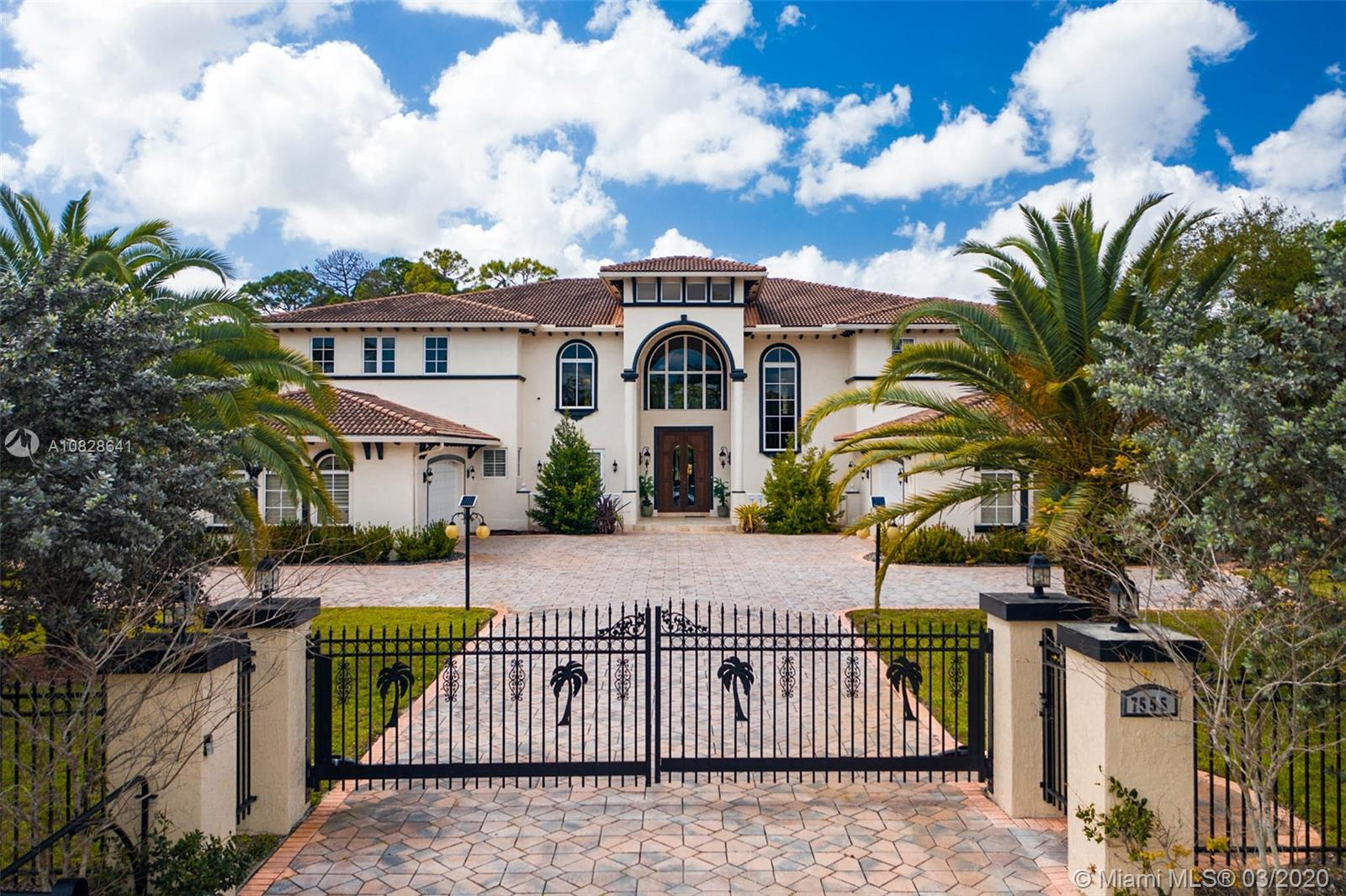7555 NW 39th Ave  For Sale A10828641, FL