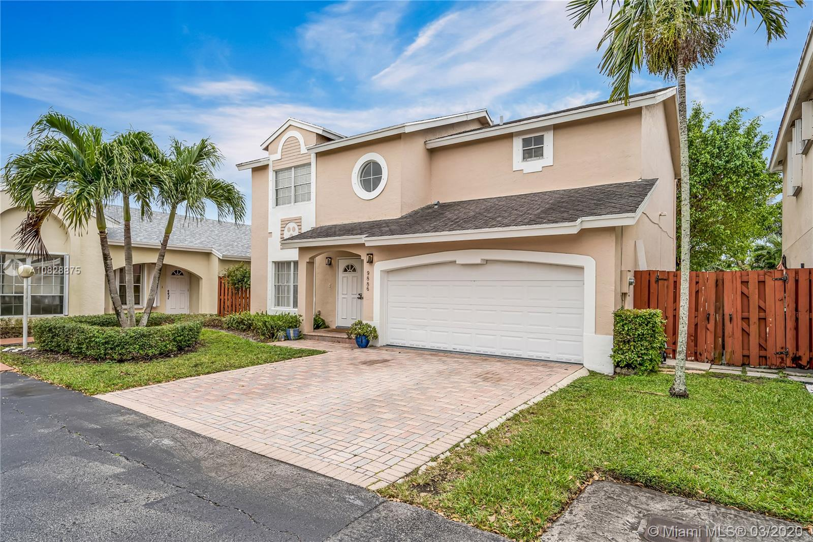 9886 NW 51st Ter  For Sale A10828875, FL