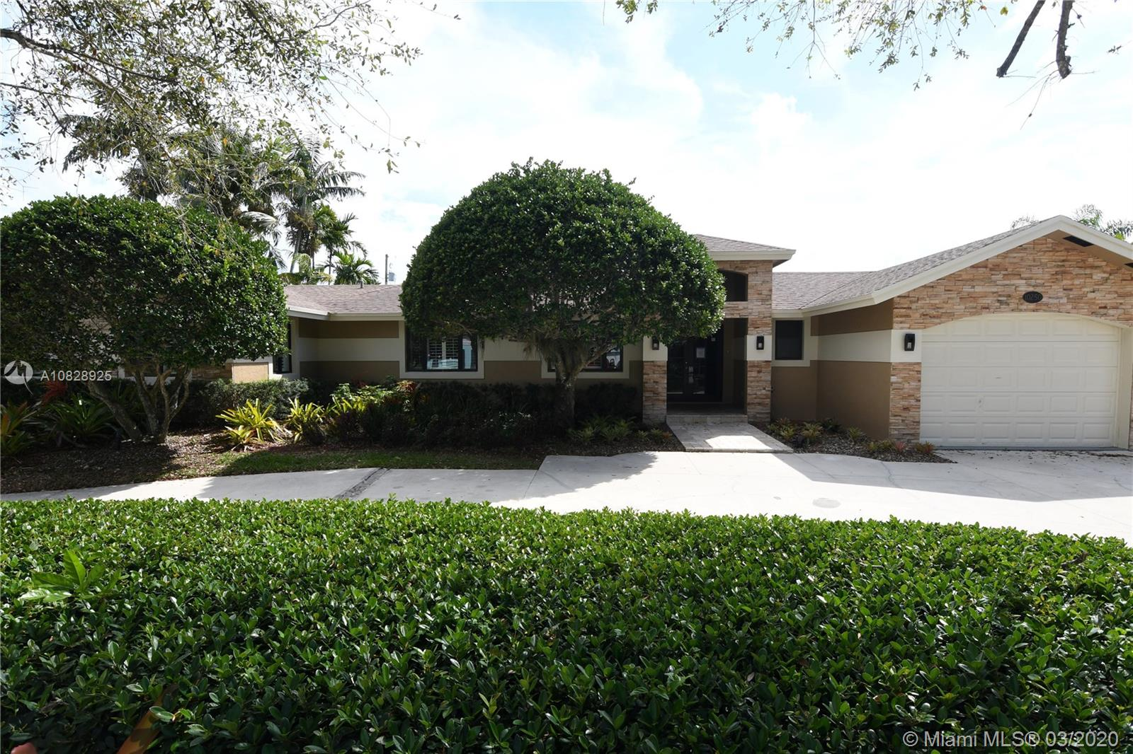 10250 SW 110th St  For Sale A10828925, FL