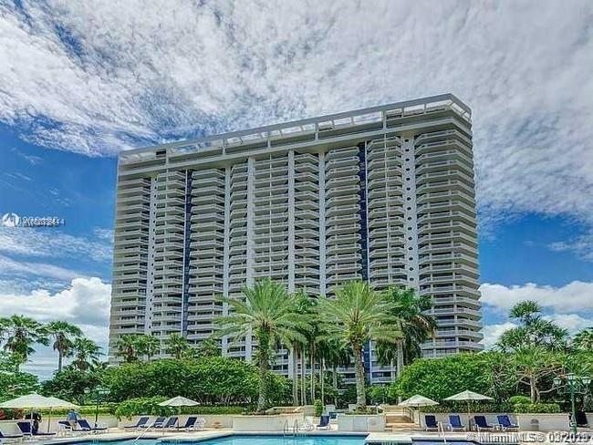 2000  Island Blvd #PH-3 For Sale A10828886, FL