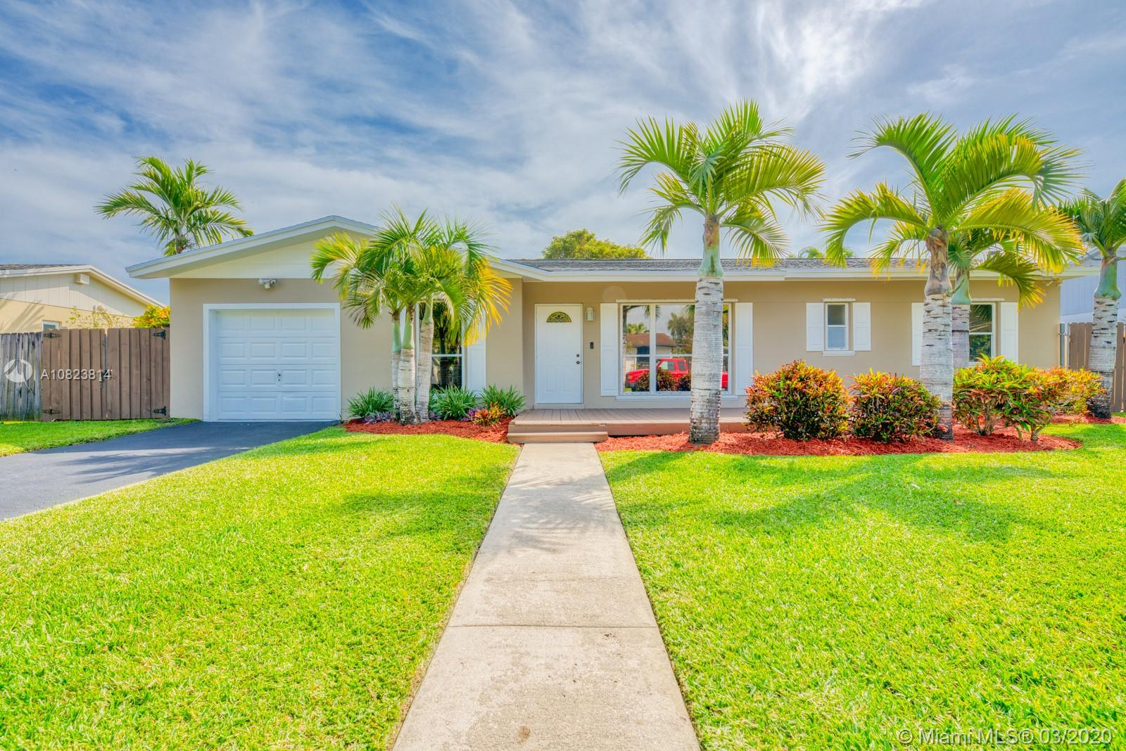18021 SW 89th Ct  For Sale A10823814, FL