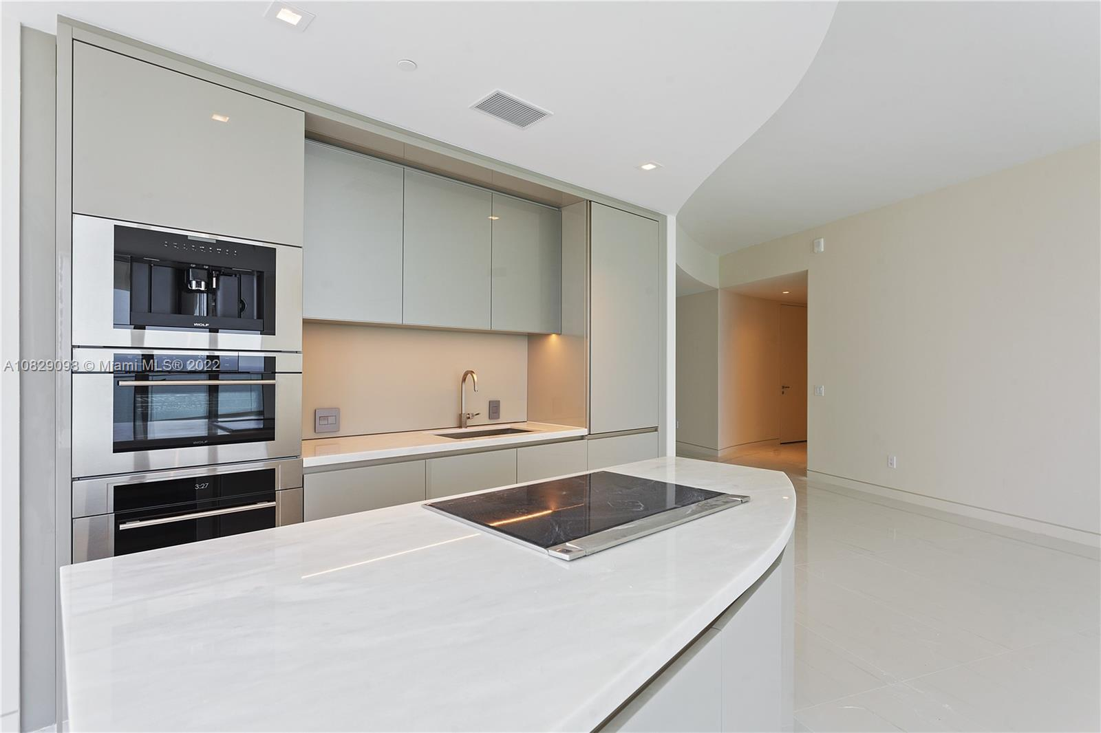 18975  COLLINS AVE #1704 For Sale A10829098, FL