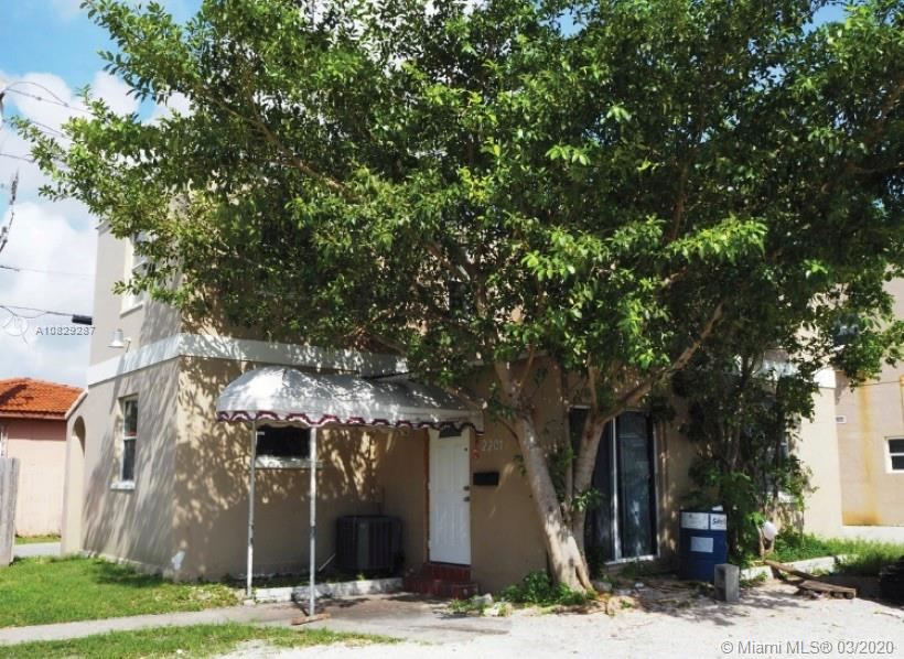 424 SW 22nd Ave  For Sale A10829287, FL