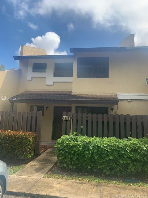 211 SW 97th Ter  For Sale A10829584, FL