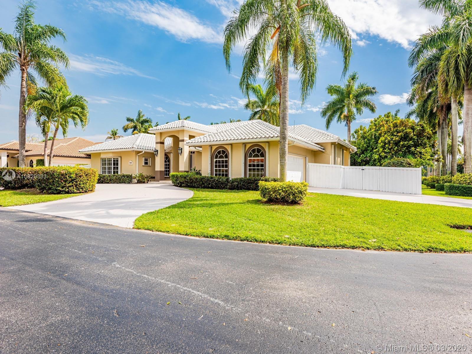 8198 SW 84th Ter  For Sale A10829333, FL