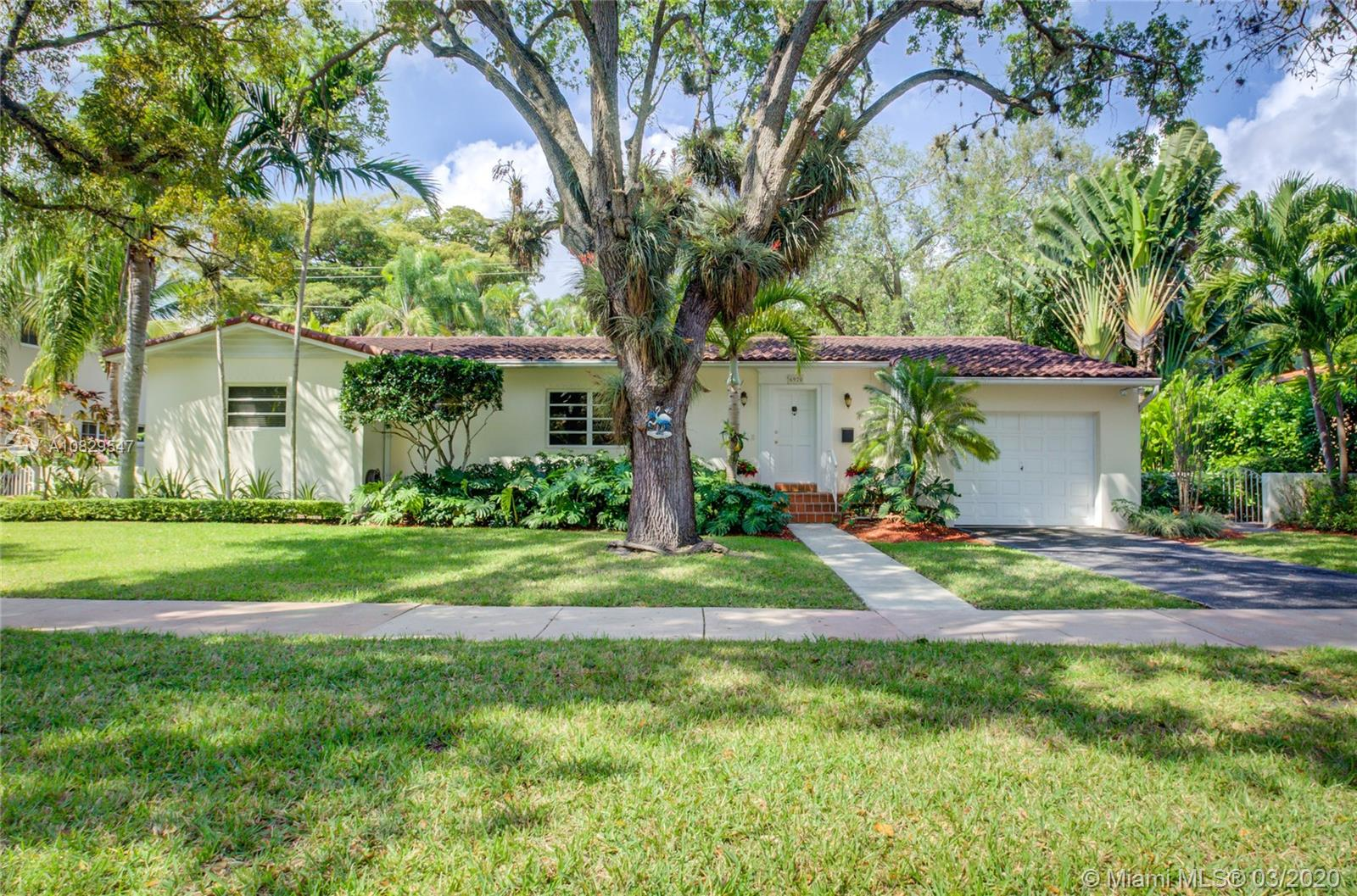 6920  Mindello St  For Sale A10829547, FL