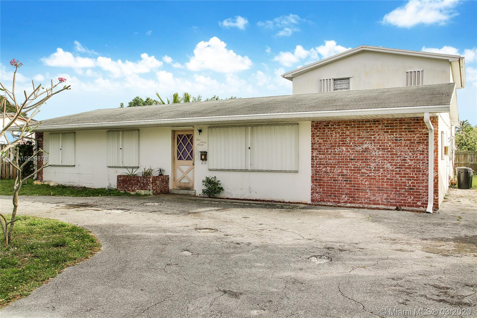 937 Dogwood Rd, North Palm Beach, FL 33408